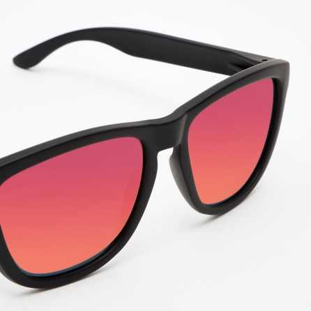 Hawkers Carbon Black Ruby One